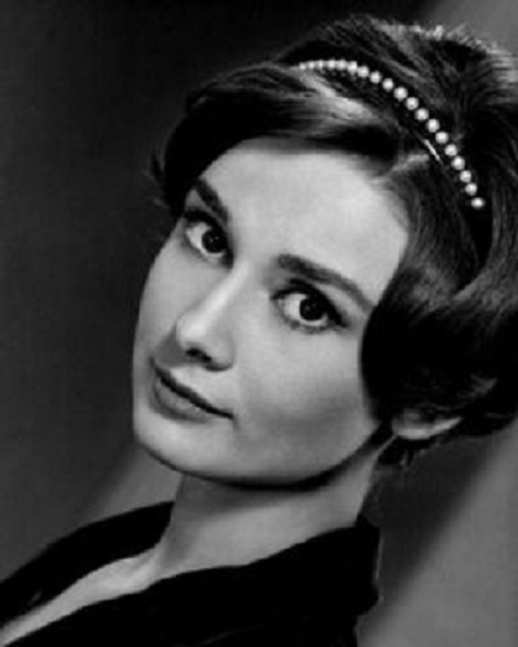 Her Royal Highness Som Altesse Royale Princess Audrey Hepburn the Queen of Heaven siempre vigin (2)